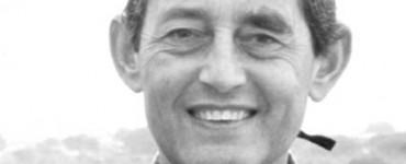 <center><h4>D. Miguel Delibes de Castro</h4>biólogo e investigador